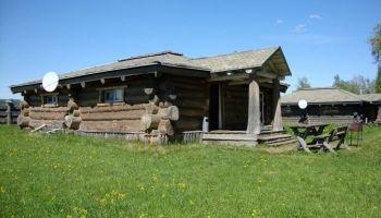 деревянная изба - большая изба