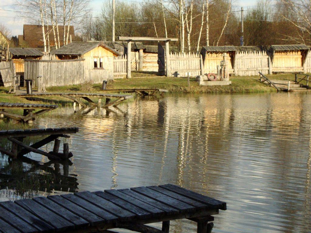отдых в деревянных избах в подмосковье. русские избы Рыболовные мосты,