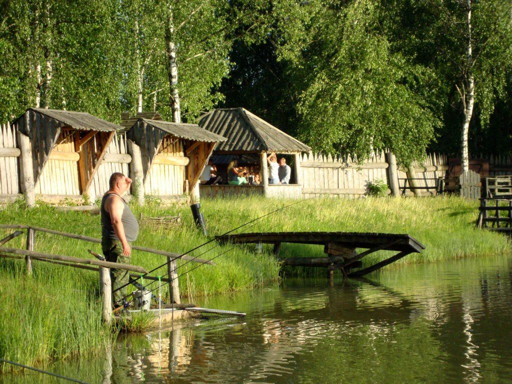 Рыбалка с проживанием в экодомиках на базе отдыха «Львово» в Подмосковье